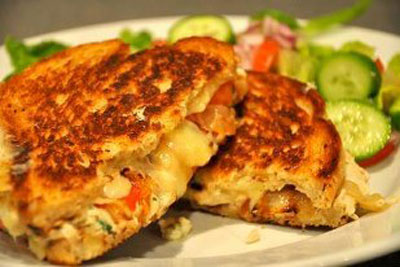 چگونه ساندویچ تناملت درست کنیم؟