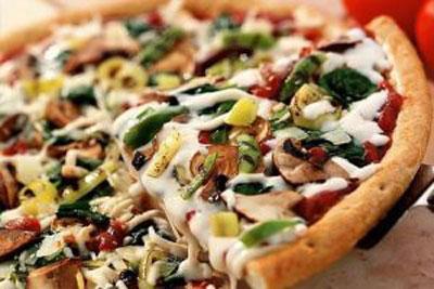 چگونه پیتزای رژیمی و کم کالری درست کنیم؟