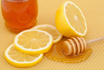 عسل و لیمو یک داروی ضد سرفه